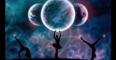 Cosmic_Dance_by_mysteria.jpg